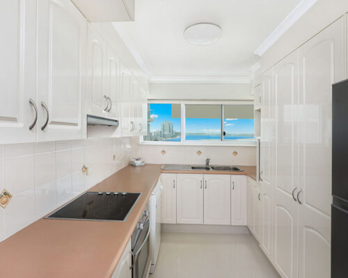 1200-premium-maroochydore-accommodation11
