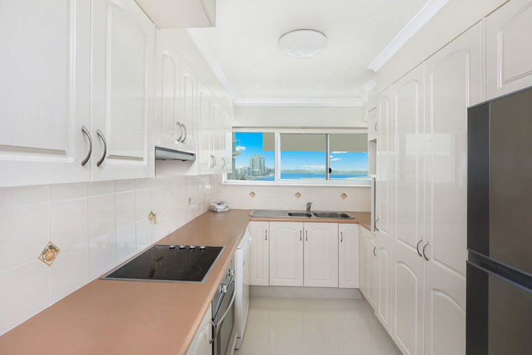 1200-premium-maroochydore-accommodation11