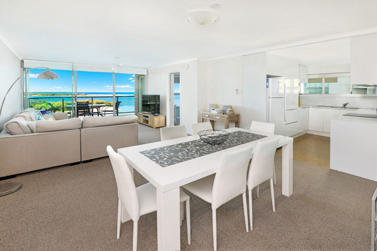 1200-premium-maroochydore-accommodation14