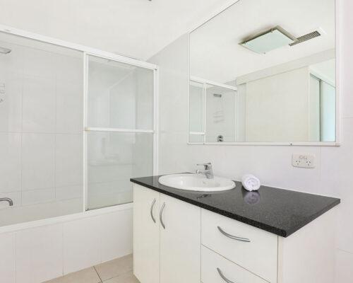 1200-premium-maroochydore-accommodation54