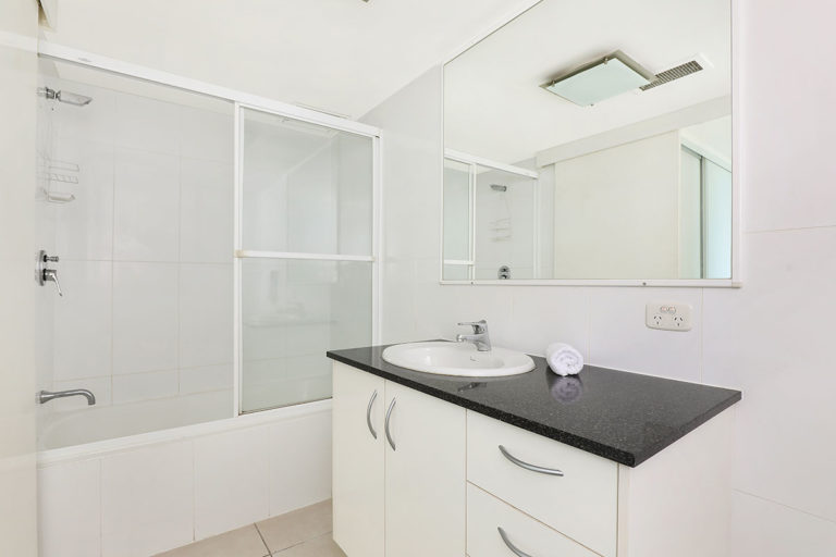 1200-premium-maroochydore-accommodation54
